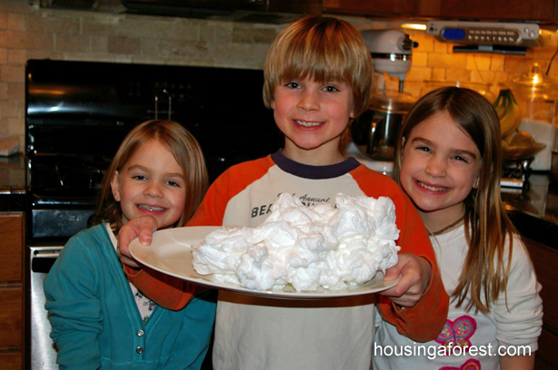 Ivory Soap Experiment {in the microwave} ~ Simple Science for kids.   All you need is Ivory Soap and a microwave!