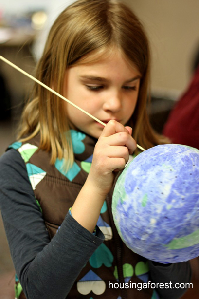 Earth Day Crafts for kids ~ Paper Mache Globes