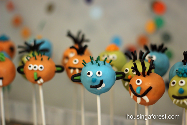 Monster Cake Pops ~ Halloween Party Treat