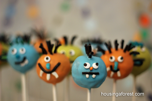 Monster Cake Pops ~ Halloween Party Treat