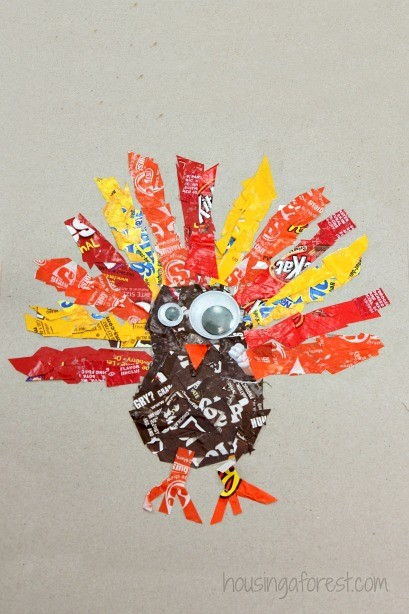 Candy Wrapper Turkey ~ Simple Thanksgiving craft for kids
