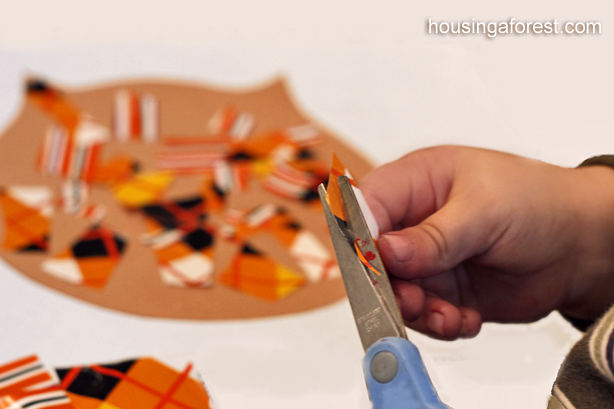 Simple Toddler Owl Craft ~ Great for working on Scissor Skills