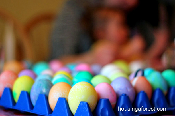 Dying Easter Eggs ~ Melted Crayon Easter Eggs