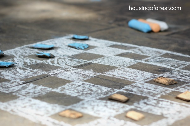 Simple Outdoor Checkers Game