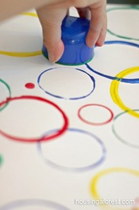Circle Painting made easy ~ simple preschool art