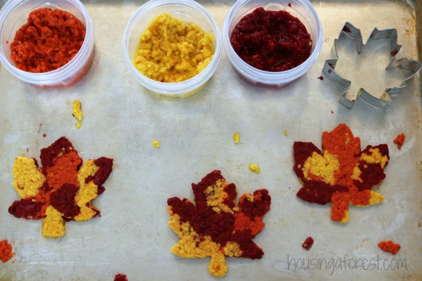 Fall Leaf sensory play ~ Thanksgiving Craft for kids