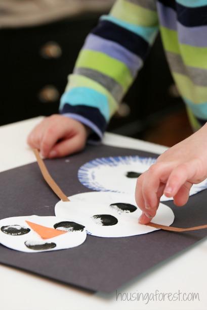 Spin Art Snowmen ~ preschool snowman craft