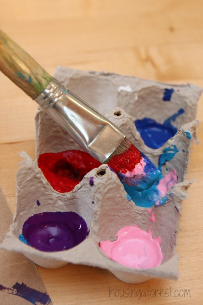 Valentine Symmetry Heart ~ Egg Carton Paint Pallet