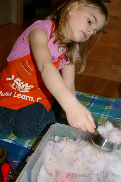 Bringing the snow inside ~ Winter Sensory Bin