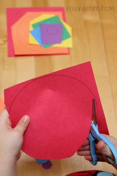 Circle Rainbow craft ~ working on scissor skills