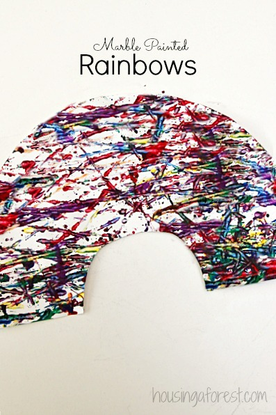 Simple preschool art projects your kids will love ~ marble painting rainbow craft