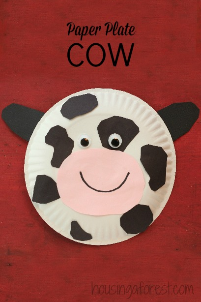 Paper Plate Cow ~ Simple farm animal crafts for preschoolers & Paper Plate Cow | Housing a Forest