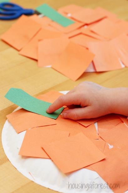 Pumpkin crafts for kids ~ simple paper plate  pumpkin