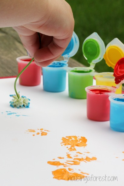 Painting with Flowers ~ Simple preschool art  activities