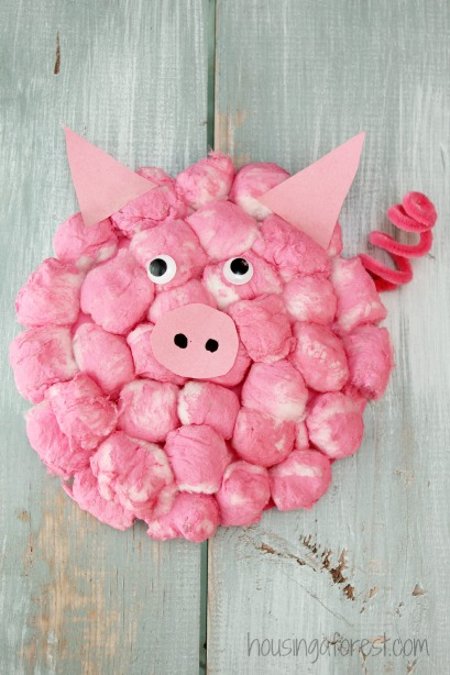 Cotton Ball Pig ~ Adorable Paper Plate crafts & Cotton Ball Pig | Housing a Forest