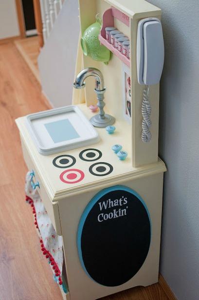 10 Creative DIY Play Kitchen Ideas ~ DIY  Play Kitchen 2