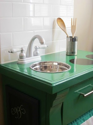 10 Creative DIY Play Kitchen Ideas ~ DIY Play Kitchen from a nightstand 2