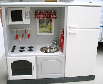 Incroyable 10 Creative DIY Play Kitchen Ideas ~ TV Unit Turned Into A DIY Play Kitchen
