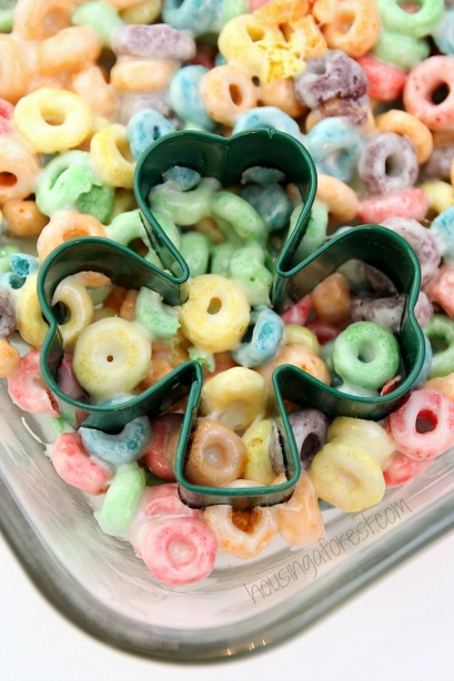 Fruit Loops Recipe ~ Rainbow Squares.  Similar to traditional Rice Krispy Treats.