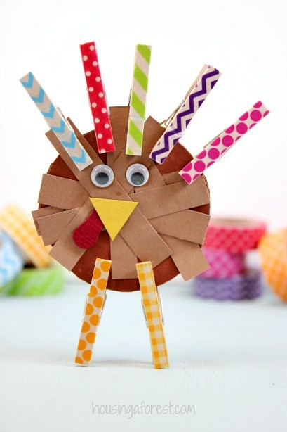 Washi Tape Turkey ~ Simple Thanksgiving crafts for kids