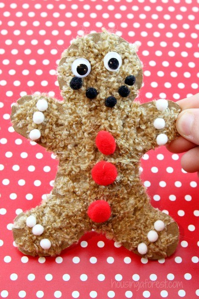 Christmas Craft for kids ~ Yarn Wrapped Gingerbread Men