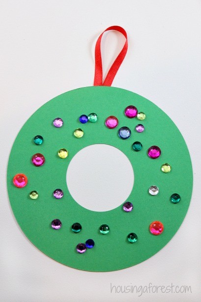 Easy Christmas Crafts for Kids ~ Construction Paper Wreath