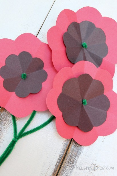 Diy paper poppy housing a forest easy paper poppy flower tutorial remembrance day craft mightylinksfo