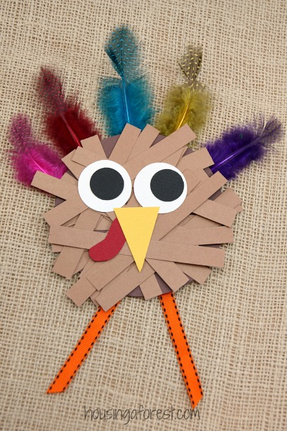 Paper strip turkey craft housing a forest for Thankful crafts for kids
