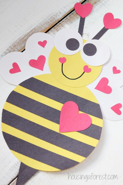 Heart bee valentine craft housing a forest for Valentine crafts for kindergarteners