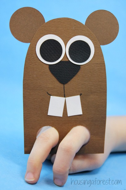 DIY finger puppet ~ Groundhog Day craft for kids