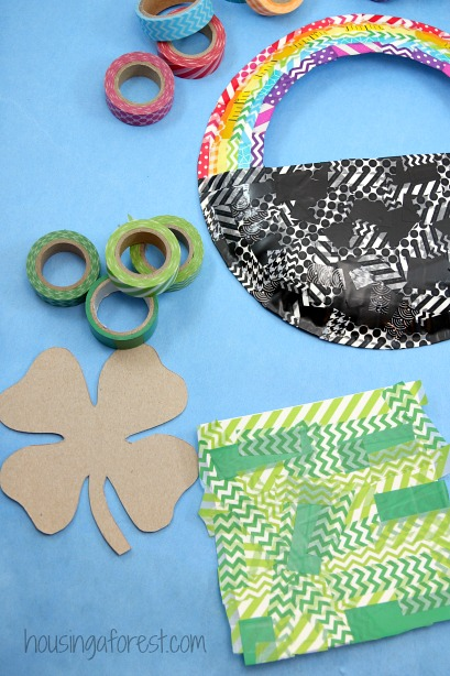 Paper Plate Pot of Gold craft! ~ Easy St Patrick's Day craft for Kids